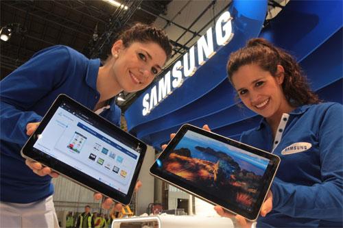 Samsung annuncia l'uscita del nuovo Galaxy Tab 2. E tra le promesse c'è Ice Cream Sandwich.techeconomy