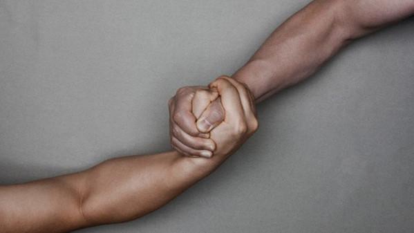 Comunità VS azienda: chi deve guidare il progetto?.techeconomy