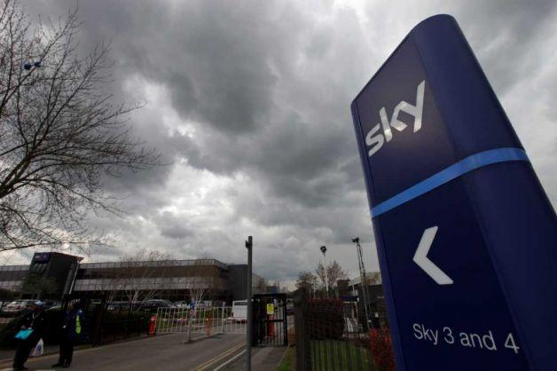 BSkyB, la pay TV satellitare controllata dal gruppo di Rupert Murdoch, deve infatti ringraziare i nuovi concorrenti provenienti da Intenet per essere sfuggita alle reti dell'antitrust.