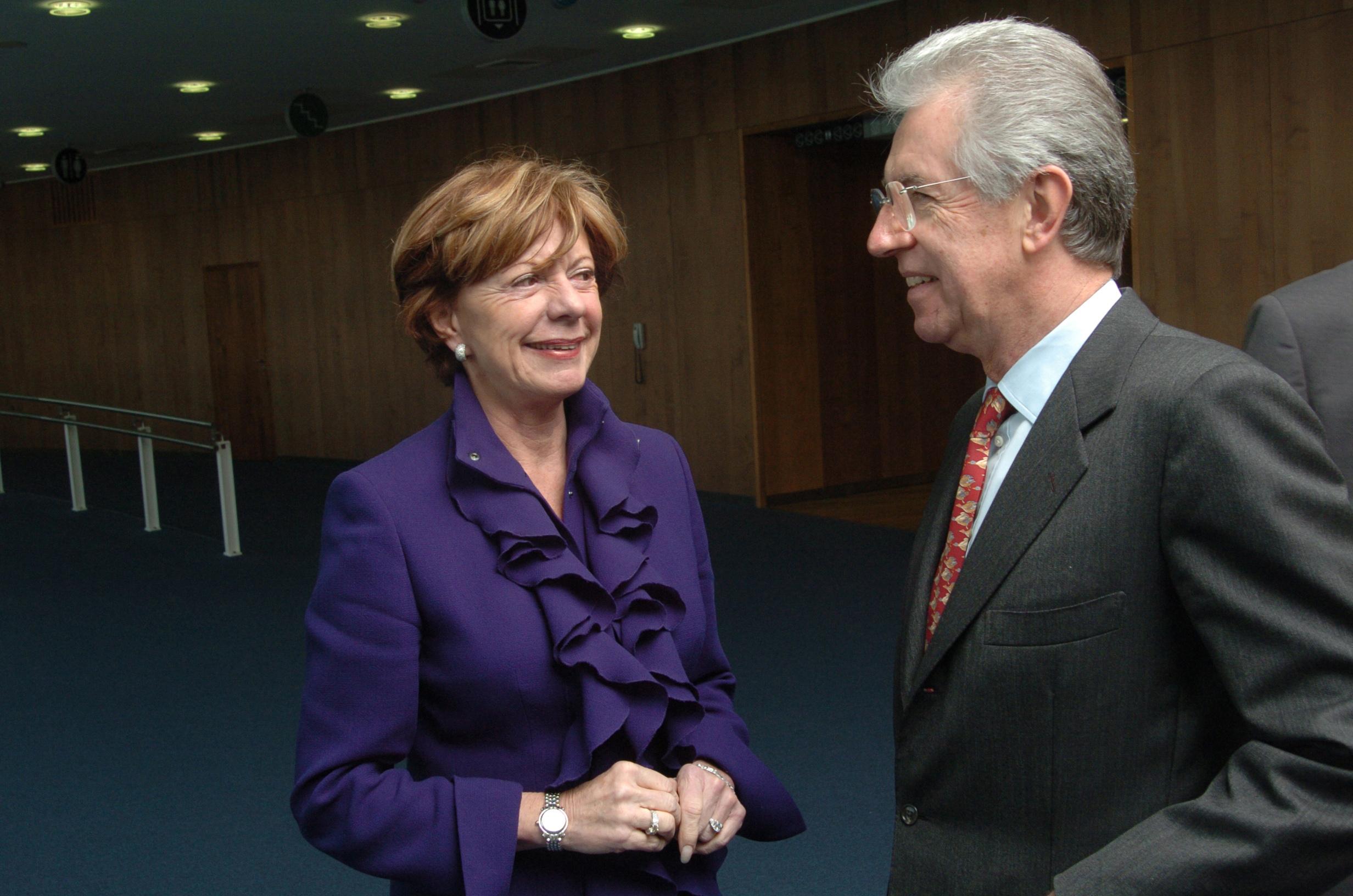Rencontre entre Neelie Kroes et Mario Monti