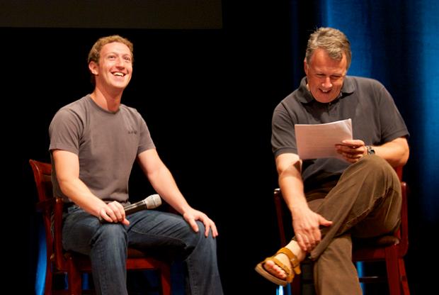 """Mark Zuckerberg e Paul Graham alla """"startup school"""" di Y Combinator (Stanford University)."""