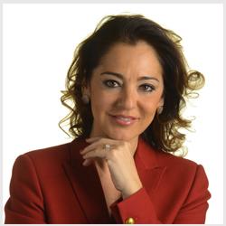 Marcella Logli laureata in scienze dell'Informazione presso l'università Statale degli Studi di Milano. Dal 1996 ad oggi lavora in Telecom Italia dove ha ricoperto diversi ruoli. Oggi è Direttore Corporate Identity & Public Relations e Segretario Generale Fondazione Telecom Italia