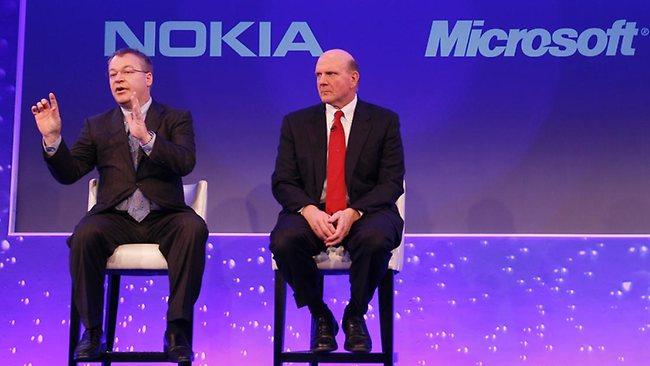 """Nell'infografica realizzata da """"The Verge"""" si mettono in luce tutti i numeri dell'acquisizione della Nokia da parte della Microsoft."""