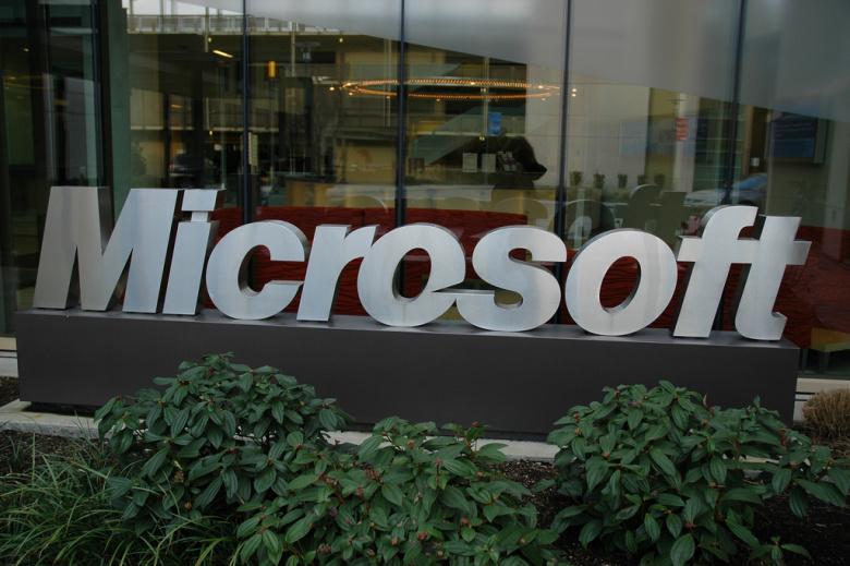 microsoft-sign-redmond-campus-wonderlane-flickr