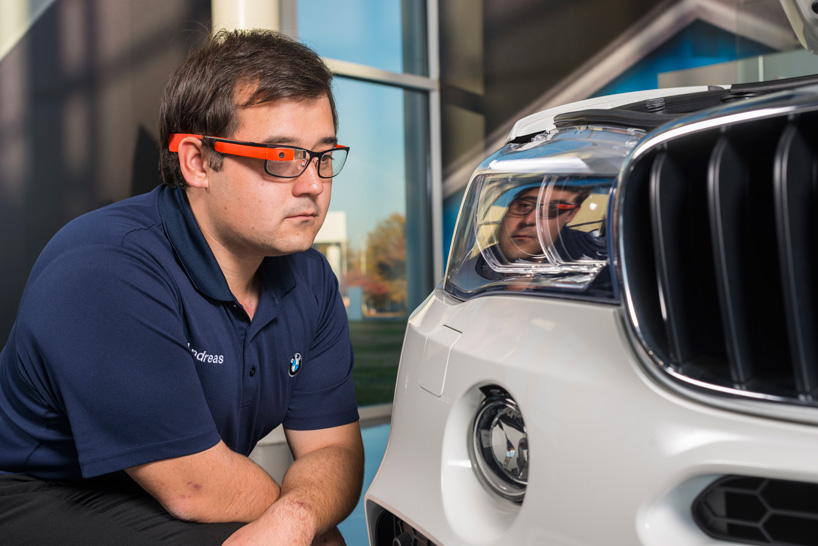 BMW-group-google-glass-designboom02